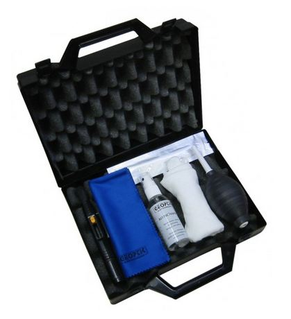 Geoptik Premium Cleaning Kit With Case
