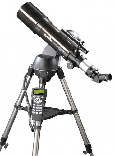 Skywatcher Startravel 102 SynScan AZ GOTO Telescope